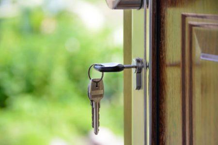 propriétaire-achat-immobilier-appartement-ou-maison-choisir-une-maison-logifinances